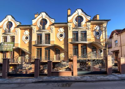Блоковані індивідуальні житлові будинки на вул. Барвінських, м. Львів